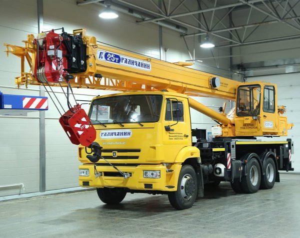 автокран 25 тонн 28 метров гусь 9 метров