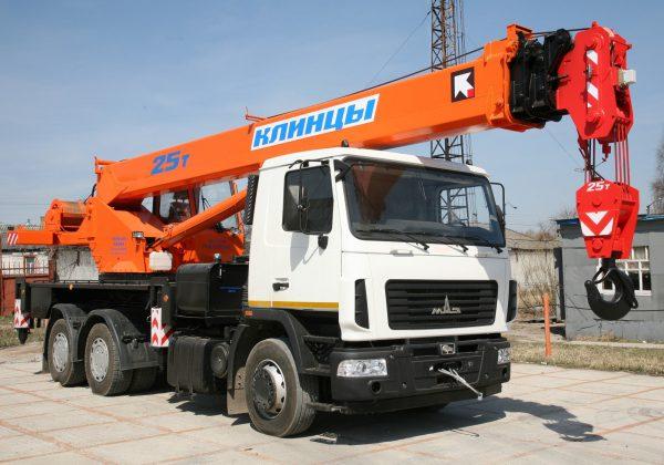автокран 25 тонн стрела 28 метров